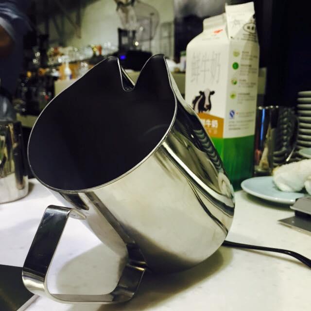 Una lattiera con due beccucci!!