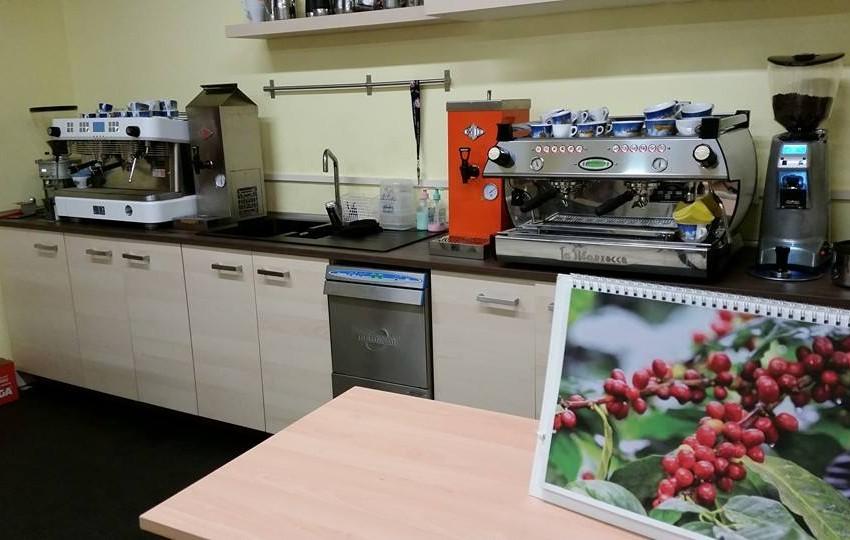 NUOVI CORSI SCUOLA CAFFÉ E CAPPUCCINI DECORATI (LATTE ART)