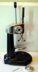 137405768_pressino-dinamometrico-professional-pressa-caffe-illy- (1)