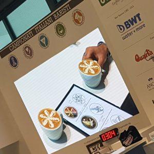 Cappuccini del campione italiano latte art Matteo Beluffi