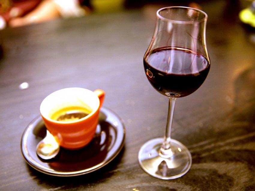 I SEGRETI DELLA LONGEVITA'? CAFFE', ALCOL E UN PO' DI PANCETTA!