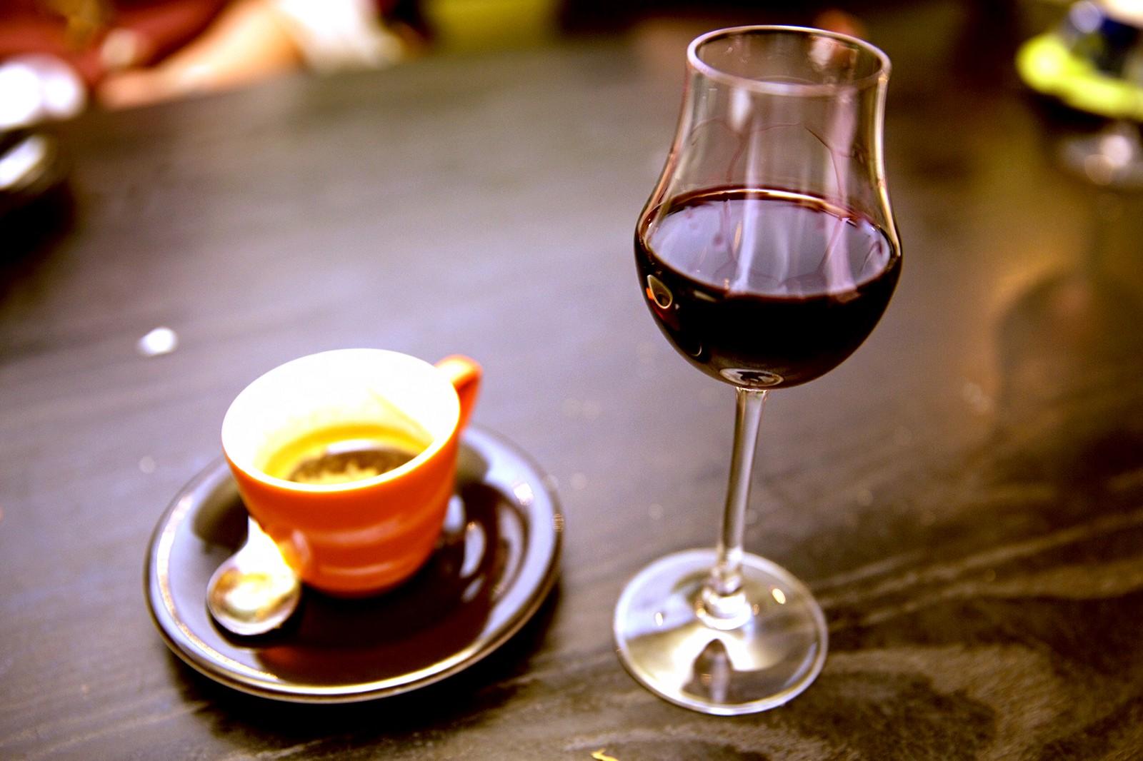 Caffè vino e un po' di pancetta...