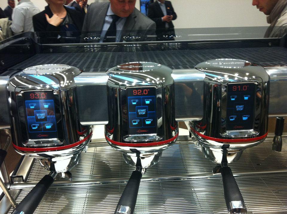 LA CIMBALI M100, LA NOSTRA RECENSIONE DELLA MACCHINA DA CAFFÈ ESPRESSO DEL FUTURO.