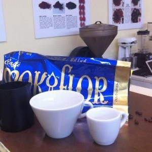 Le tazze dei campionati del mondo di latte art nella nostra scuola di caffetteria a Firenze