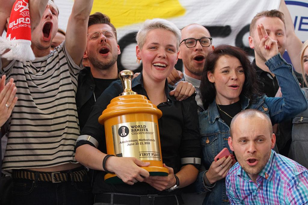 Agnieszka Rojewska con il trofeo