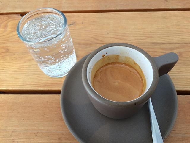 Espresso e acqua ...Gassata!