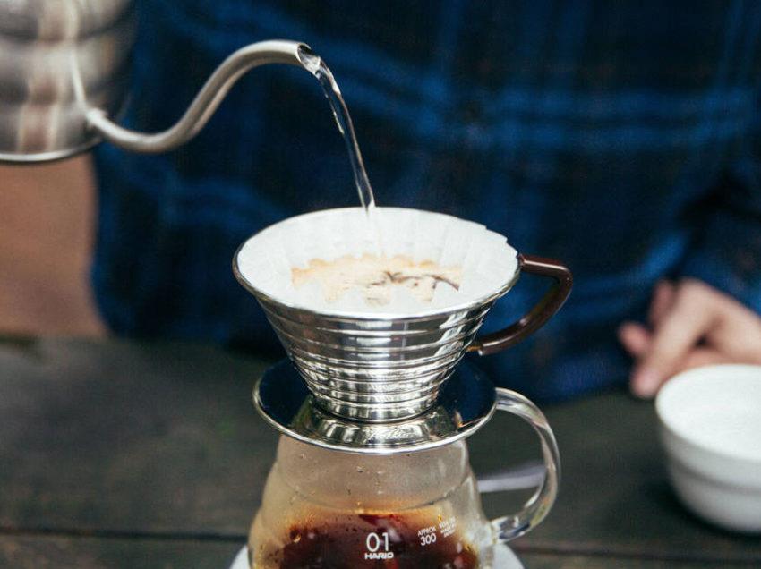 LA NOSTRA RECENSIONE DEL KALITA WAVE COFFEE DRIPPER