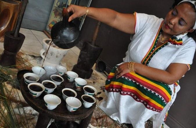 LA MAGIA DELLA CERIMONIA DEL CAFFE' ETIOPE