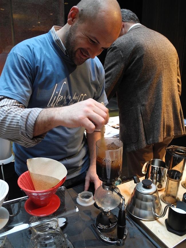 Francesco-Sanapo_linea-ti-amo_caffe_corsini