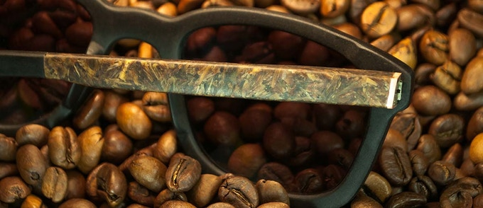 GLI OCCHIALI FATTI CON ….IL CAFFE'