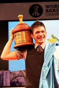 Il vincitore del campionato del mondo baristi dello scorso anno.