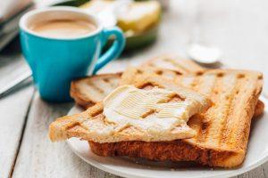 Burro al caffè sul toast