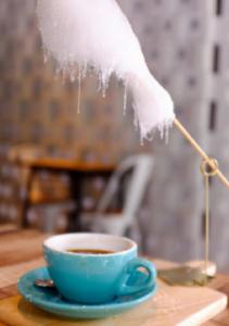 Caffè e zucchero filato..