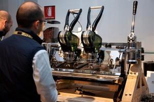 la-marzocco-la-curva-espresso-machine-concept-designboom-04-818x545