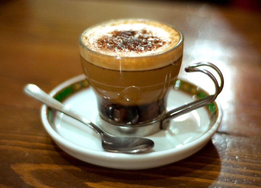 IL CAFFE' MAROCCHINO, RICETTA E STORIA DI QUESTA GOLOSA BEVANDA DELLA CAFFETTERIA ITALIANA
