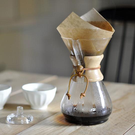 VETRO E CUOIO: IL SISTEMA DA CAFFÈ FILTRO CHEMEX