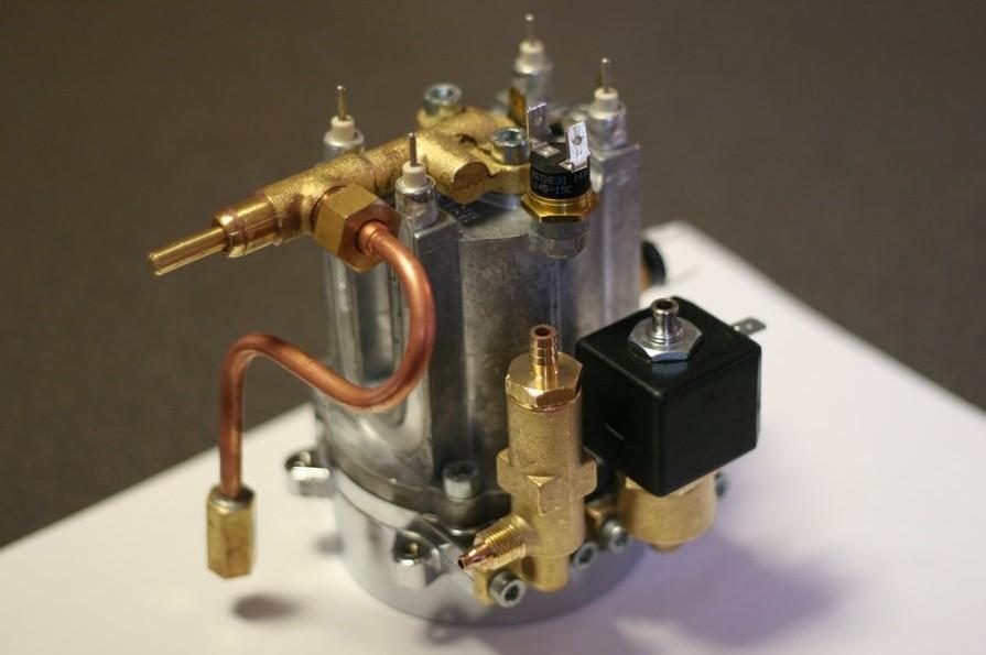 Il boiler con la valvola solenoide
